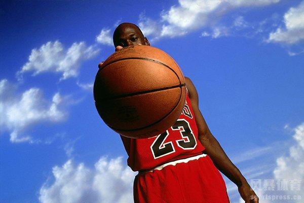 乔丹在NBA一直有着篮球之神的称号