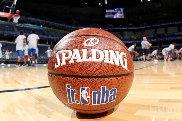 目前NBA西部第一和东部第一全都是季后赛首败