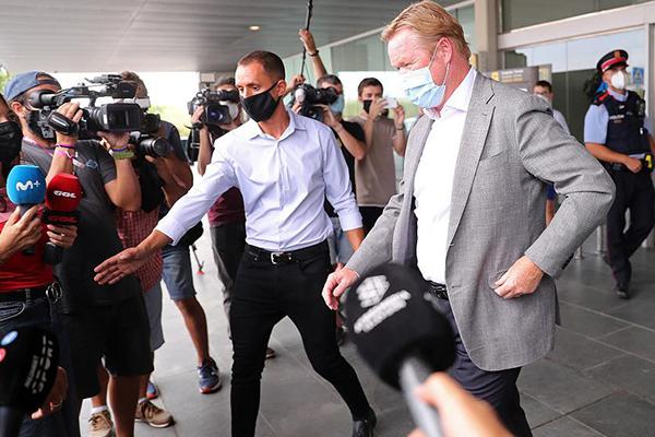 目前科曼已经抵达巴塞罗那,在最近几天就会出任巴萨主帅