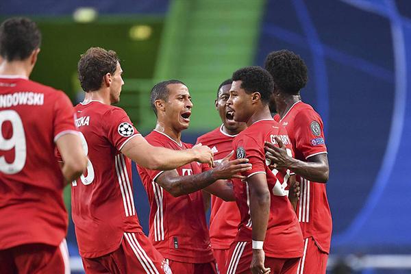 <b>拜仁3比0击败里昂!莱万连场破门直追C罗记录!</b>