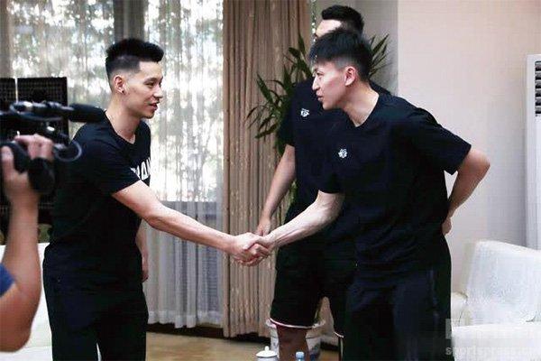 北京队与刘晓宇续约 林书豪续约在望?