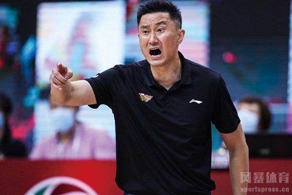 中国男篮主教练杜锋