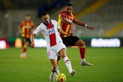 法甲联赛第二轮朗斯1比0击败巴黎圣日耳曼!