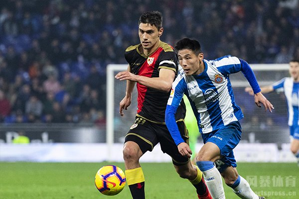 西班牙人西乙征途第一场3比0击败阿尔瓦赛特