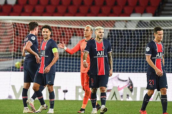 内马尔缺席被罚1人仍能获胜!小德92分钟头球绝杀梅斯!
