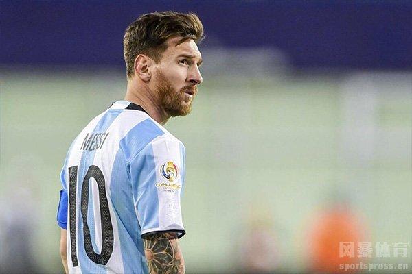 目前阿根廷国家队也是想召回梅西