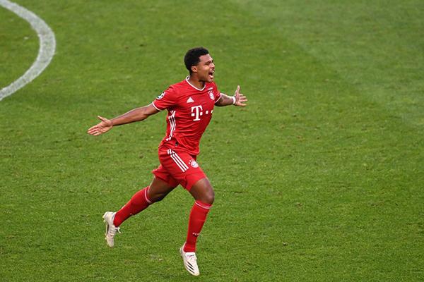 不得不说在拜仁首轮8比0击败沙尔克的比赛之中,格纳布里上演了帽子戏法
