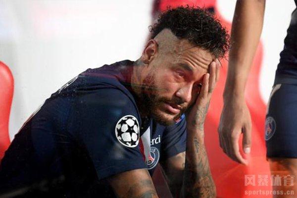 内马尔在赛后十分悲伤