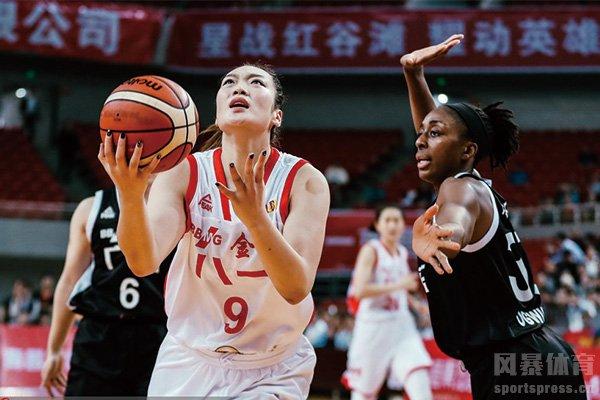 八一女篮队员李梦