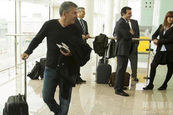 梅西父亲豪尔赫刚到巴塞罗那就开始就梅西转会谈判