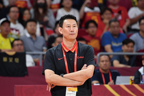 前中国男篮主教练李楠