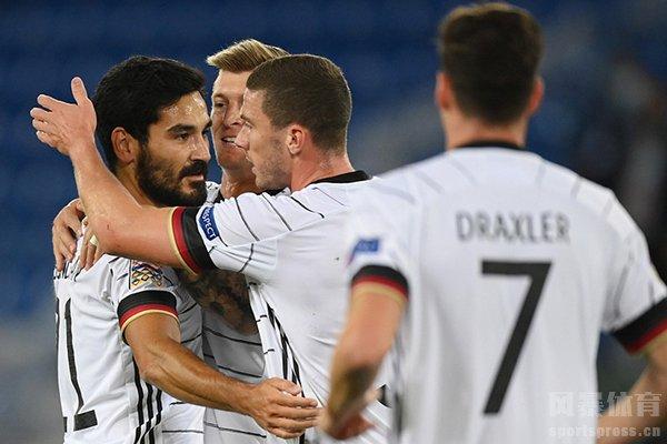 目前德国队出师不利,两场比赛全是平局收关