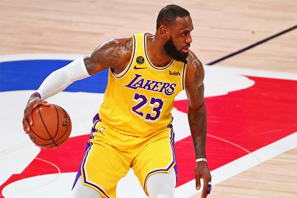 期待詹姆斯在接下来NBA总决赛的精彩表现
