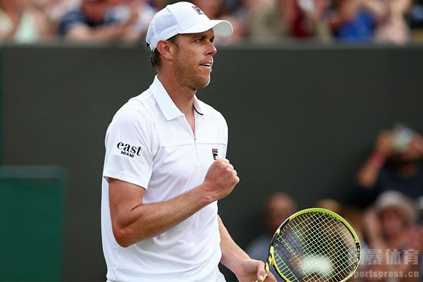美国网球名将感染新冠后包机逃离 怎么回事?