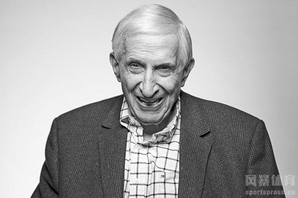湖人创始人去世享年100岁 曾率领湖人五夺总冠军