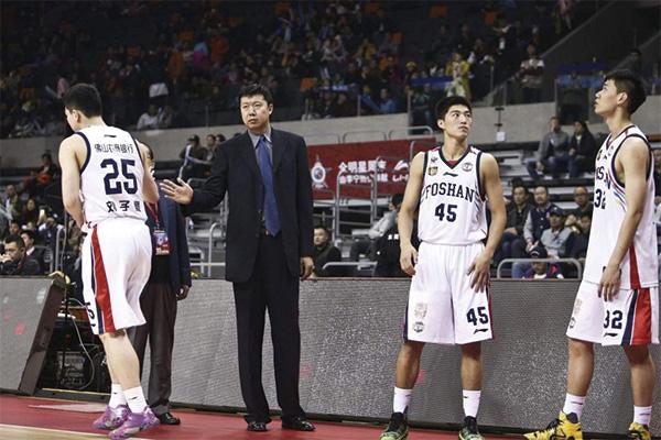 八一男篮主教练王治郅