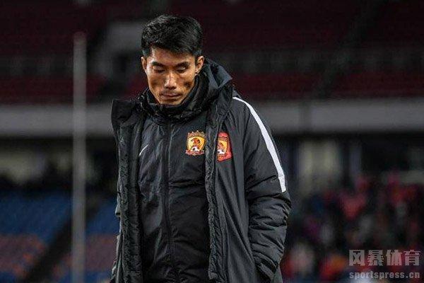 郑智在19/20新赛季开幕前意外受伤