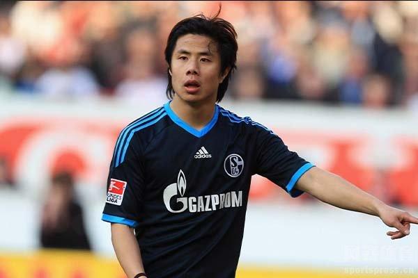 蒿俊闵曾效力过德甲的沙尔克04