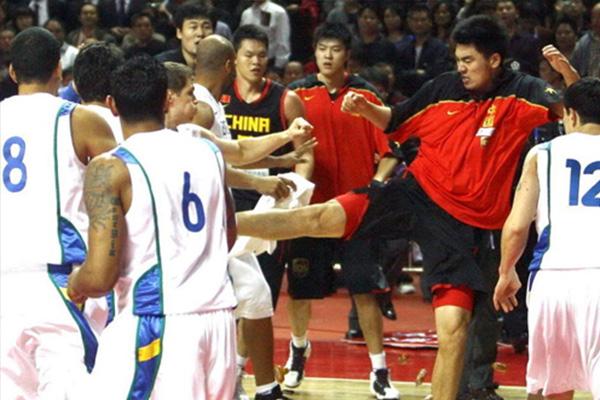 中国巴西男篮事件是怎么回事?具体有什么影响?