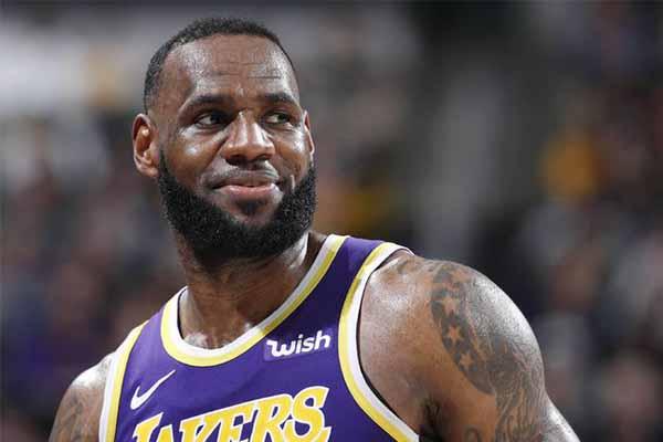 詹姆斯2年8500万顶薪与湖人续约 NBA历史第一薪水诞生