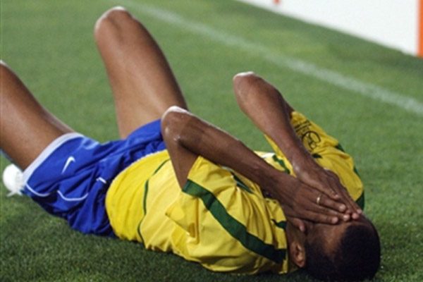 里瓦尔多假摔是怎么回事?里瓦尔多假摔有什么影响?