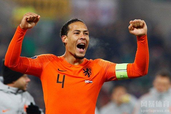 世界杯战场上荷兰队的表现是非常精彩的