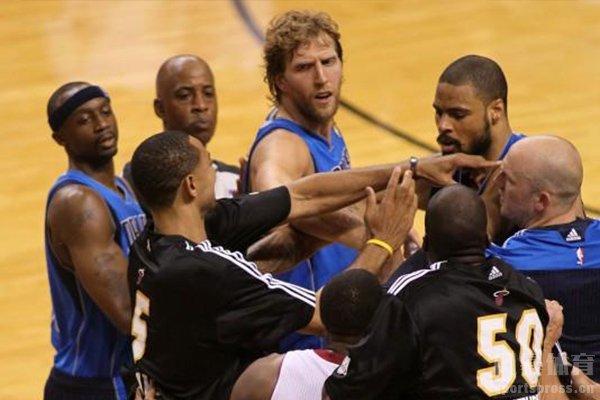 篮球技术犯规是极其严重的犯规行为