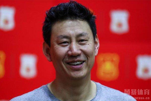 中国男篮目前主教练是李楠