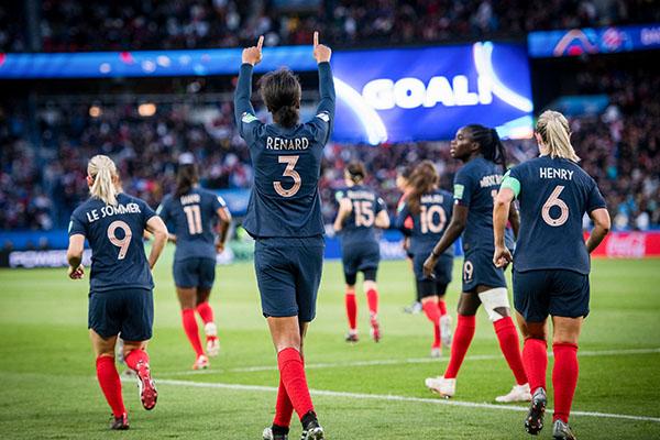 女足世界杯进首球是谁?女足世界杯进首球有什么影响?