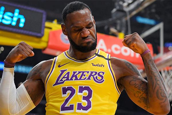 NBA官网MVP榜:詹姆斯第一 詹姆斯有望36岁再夺赛季MVP