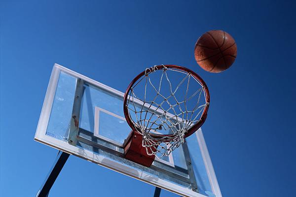 怎么打篮球?篮球该怎么入门?