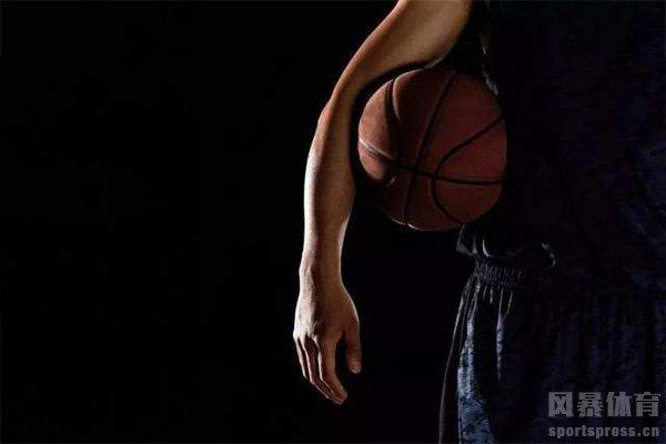复播NBA第一场比赛就是全明星赛
