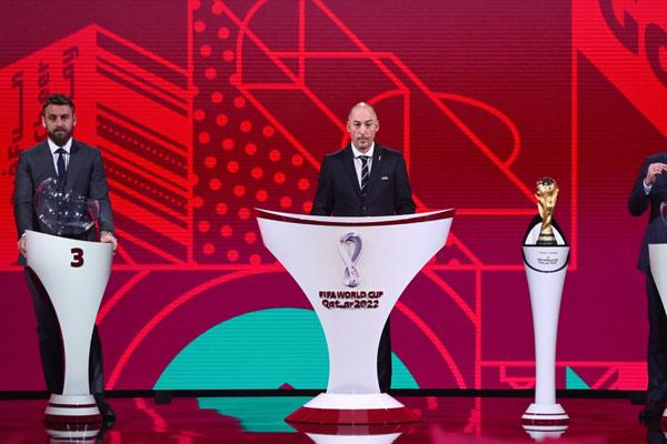 FIFA主席Gianni Infantino在UEFA抽签中