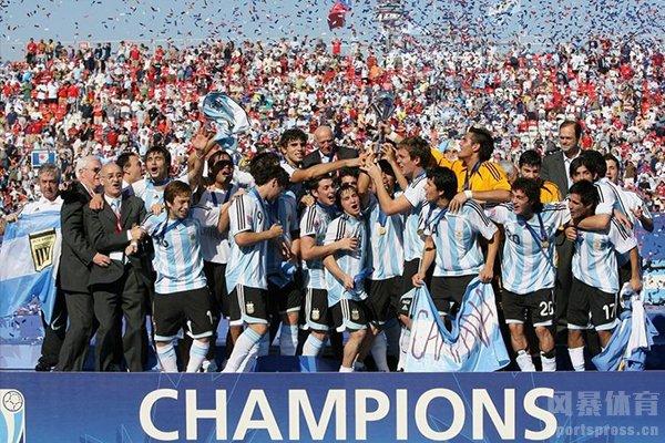 阿根廷队的外号叫做潘帕斯雄鹰