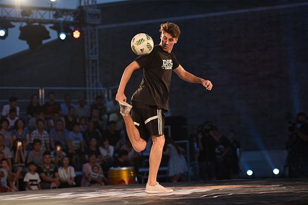 <b>街头足球有什么特点?街头足球起源在哪?</b>