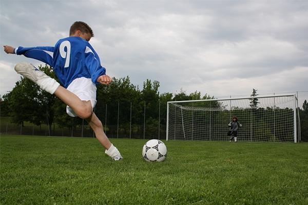 <b>足球射门技巧有什么?足球射门基本功怎么练?</b>