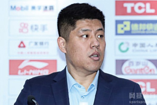 CBA山西队主教练潘江