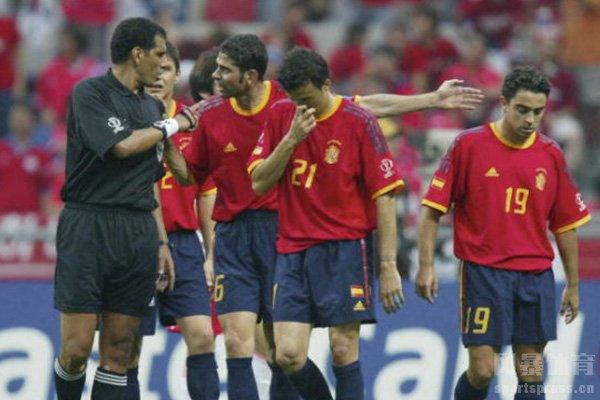 在当时韩国一度淘汰西班牙队和意大利队