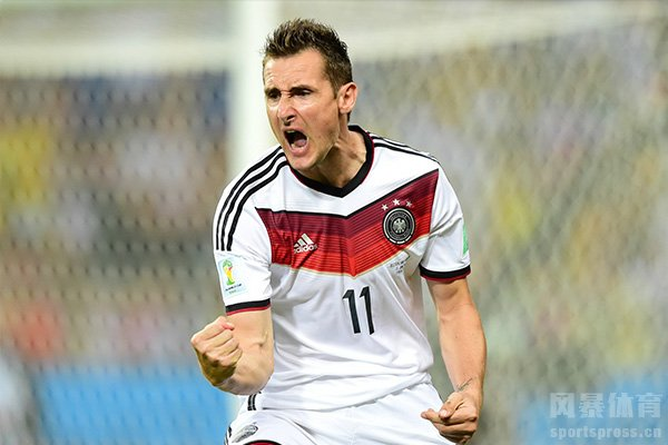 世界杯目前进球最多的是克洛泽