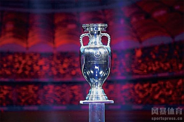 欧洲杯冠军奖杯