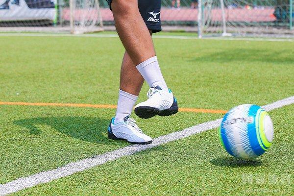 传球是足球比赛非常关键的重点