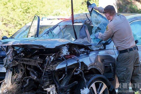 伍兹车祸现场