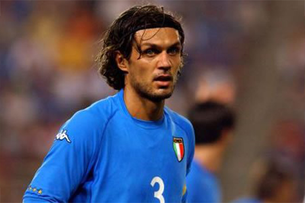 伟大的意大利左后卫是谁?意大利都有哪些出色的后卫?