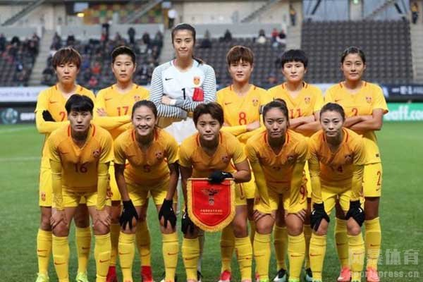 <b>中国女足队长秀6块腹肌 是怎么回事?</b>