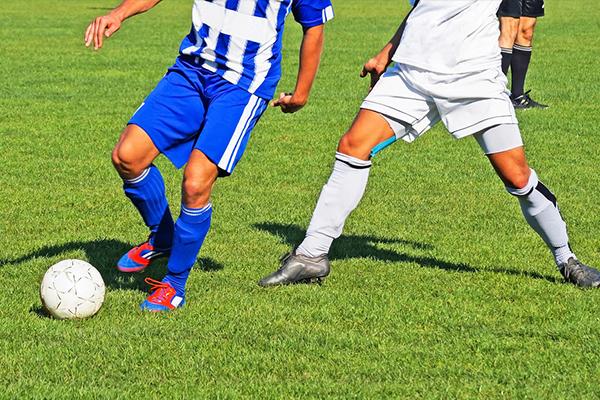 踢足球技巧都有什么?如何快速学会踢足球?