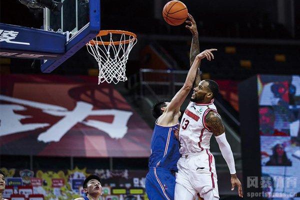 威姆斯在NBA也是合格的轮换水平