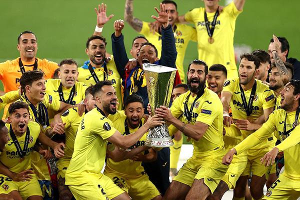 比利亚雷亚尔胜曼联夺欧联杯冠军 黄色潜水艇获历史第一座冠军荣耀