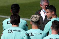 葡萄牙备战2021欧洲杯 C罗和国家队队友正在全