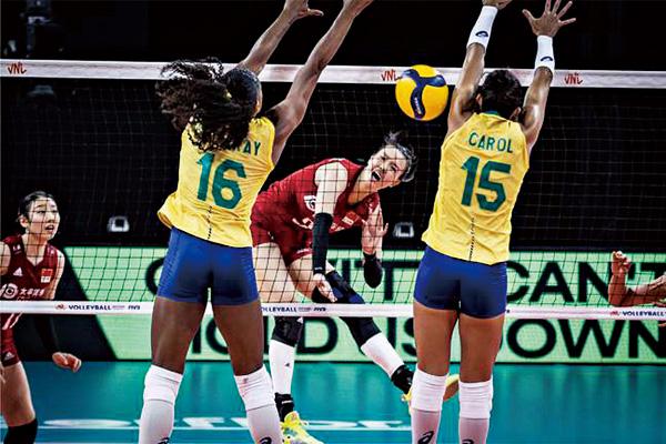 张常宁爆发轰36分!帮助中国女排3-2爆冷击败巴西女排