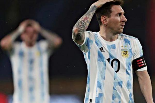<b>世预赛阿根廷被绝平!梅西全场哑火 阿根廷被哥伦比亚2-2逼平</b>